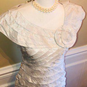London Times Gray Silver Tiered Sheath Rose Dress